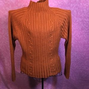 Speculation Really Nice Sweater! Size Large